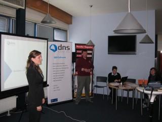 Lucie Cerhová a Jan Valdman z DNS
