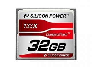32GB SD karta od Silicon Power.