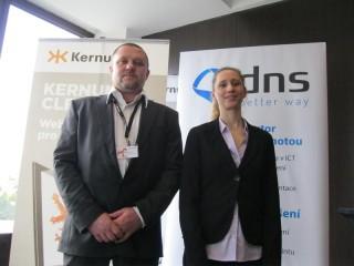 Radek Nebeský z TNS a Lucie Harapesová z DNS
