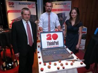 Petr Toman (vlevo), Robert Janásek (uprostřed), oba Lenovo, Gabriela Součková (vpravo), pořádající agentura Fox Hunter