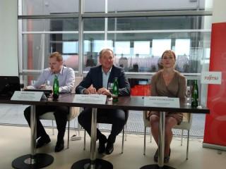 Zleva Jan Šplíchal (produktový a PR manažer), Radek Sazama (generální ředitel) a Lucie Stejskalová (Media Relations Manager Pepr Consulting)