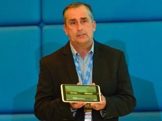 Brian Krzanich, CEO společnosti Intel, při představení novinek