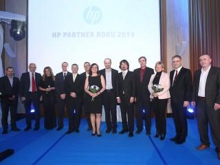 Společná fotografie oceněných partnerů