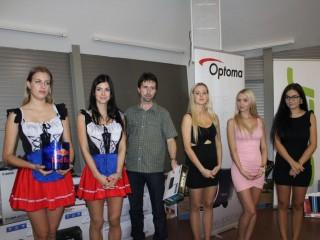 Uprostřed Tomáš Štěpánek, manažer sítě Klikman