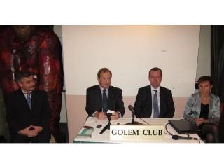 Zleva sedí: Ivo Gajdoš, Pavel Kafka, Tomáš Zima a Dana Jurásková