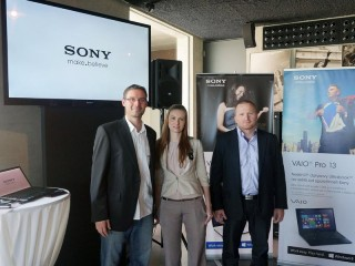 Zleva Tomáš Hrzán (trade marketing manager), Soňa Uhrová (brand communication specialist) a Lukáš Svoboda (business unit manager)
