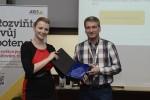 Z vyhlášení nejlepších partnerů - cenu přebírá společnost Techniserv