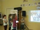 Šesťáci demonstrují možnosti projektoru