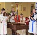 Účastníkov privítala tradičná cimbalová hudba