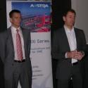 Vlevo Petr Varvařovský (obchodní ředitel Atlantis Telecom) a vpravo Peter Friedsam (obchodní ředitel Aastra pro ČR a SR)