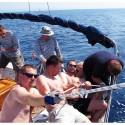 Posádka lodi pod spinakrem se nejednou zapotila